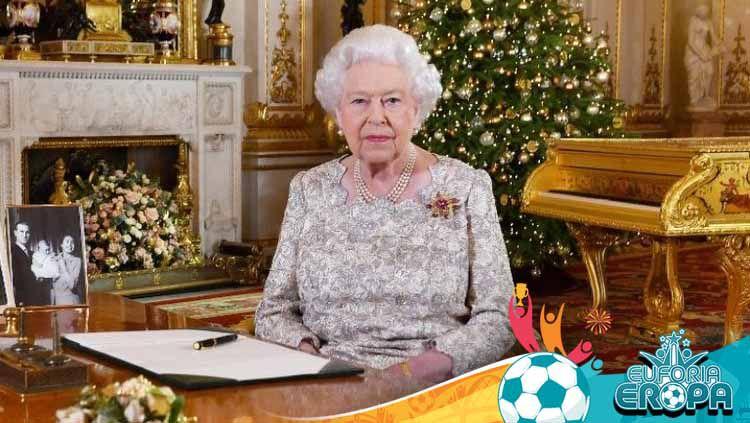 Menjelang laga Inggris vs Italia di babak final Euro 2020, Ratu Elizabeth II memberikan pesan menyentuh. Copyright: © AFP