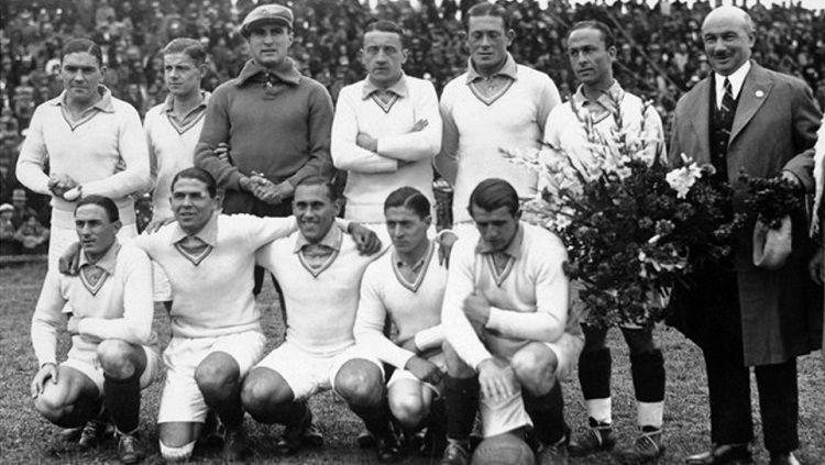 Skuat Prancis di Piala Dunia 1930. Copyright: © FIFA
