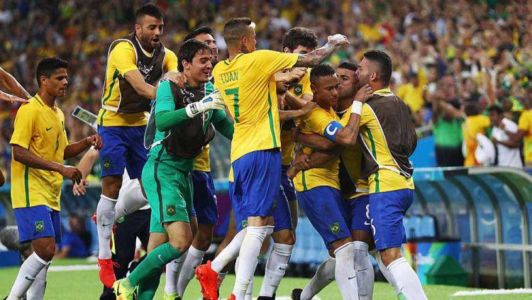 Diperkuat bintang seperti Neymar dan Gabriel Jesus, Brasil sukses jadi juara Olimpiade 2016. Di mana skuat penuh bintang yang meraih medali emas itu sekarang? Copyright: © Paul Gilham/Getty Images