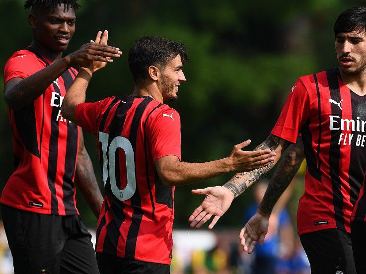 AC Milan Sudah Punya 'Brahiminha', Siapa Butuh Calhanoglu?