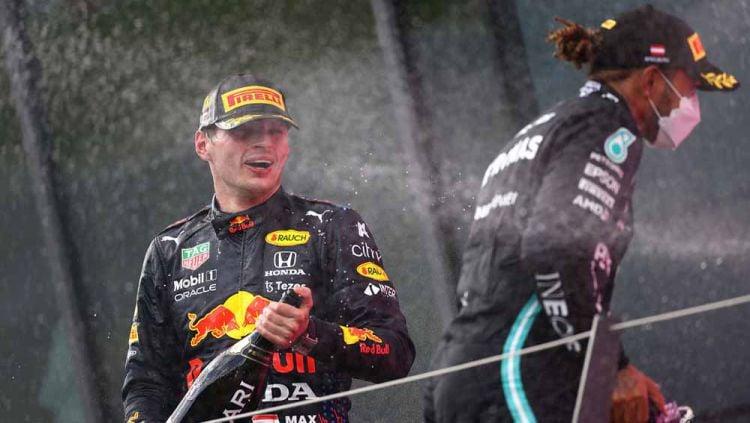 Pembalapan F1 Max Verstappen (Red Bull Racing) dan  Lewis Hamilton (Mercedes GP). Copyright: © Clive Mason - Formula 1/Formula 1 via Getty Images