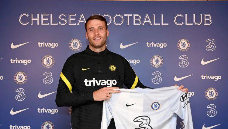 Chelsea resmi merekrut bintang rival, yakni Marcus Bettinelli Copyright: © chelseafc.com
