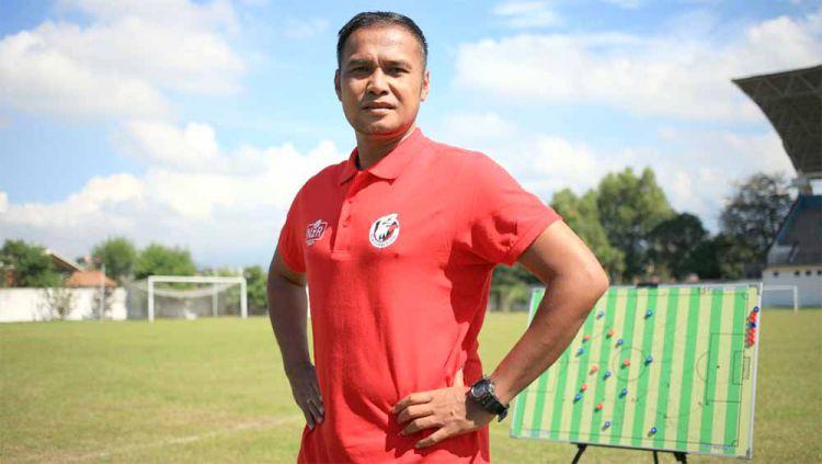 Charis Yulianto harap kompetisi Liga 3 bisa mendapat perhatian yang lebih serius. Copyright: © MO NZR Sumbersari