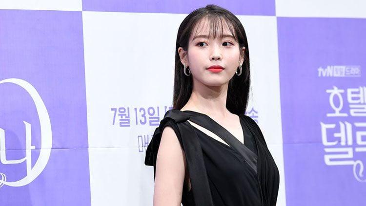 Penyanyi sekaligus aktris Korea Selatan, IU. Copyright: © THE FACT/Imazins via Getty Images