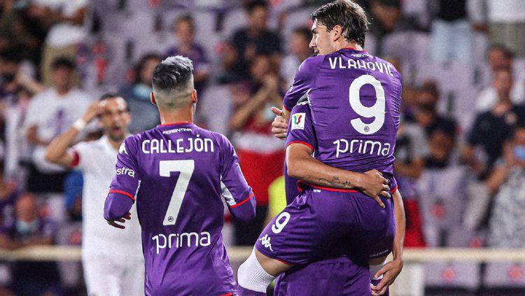 Dusan Vlahovic Berselebrasi bersama Fiorentina Copyright: © twitter.com/acffiorentina