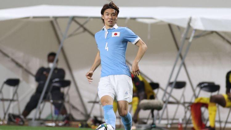 Pemain Jepang milik Manchester City, Ko Itakura. Copyright: © Masashi Hara/Getty Images