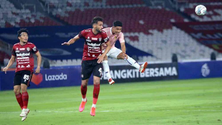 Willian Pachecho saat Laga Bali United vs Persik Kediri di pembukaan BRI Liga 1 2021-2022 di stadion GBK. Copyright: © MO Persik