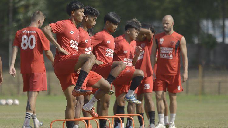 Indosport - Skuat PSM Makassar berlatih di Stadion Pajajaran, Bogor