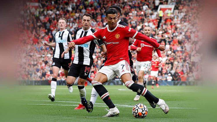 Pemain Manchester United, Cristiano Ronaldo, pada pertandingan Liga Premier antara Manchester United dan Newcastle United. Copyright: © REUTERS/Phil Noble EDITORIAL USE ONLY