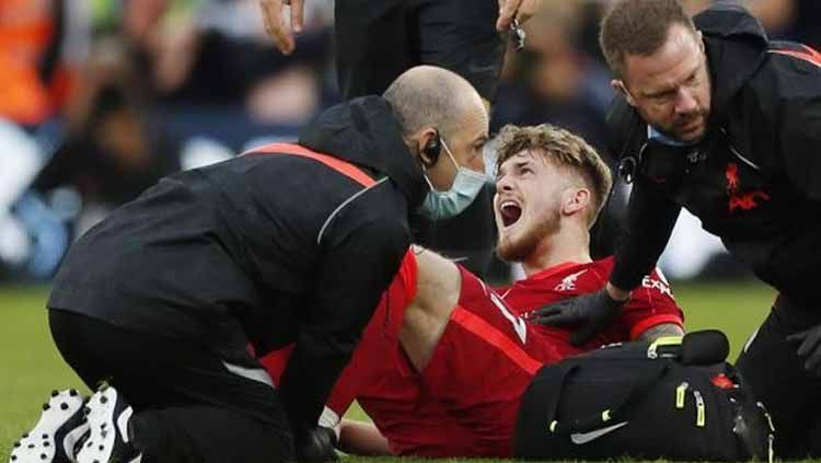 Harvey Elliott cedera saat lawan Leeds Copyright: © Reuters/Lee Smith