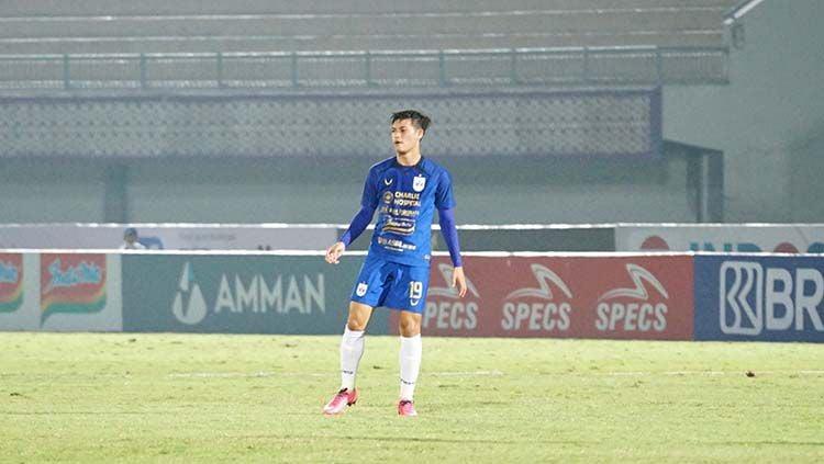Alfeandra Dewangga saat bermain untuk PSIS dalam laga melawan Persija. Copyright: © Media PSIS Semarang
