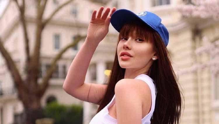 Model Maria Liman baru-baru ini menjadi sorotan setelah ikon seks Rusia itu memberikan dukungan untuk klub idolanya, Chelsea. Copyright: © Dailystar.com