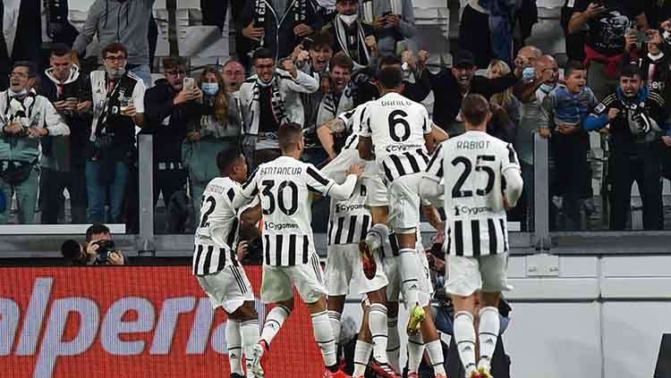 Perayaan gol Juventus ke gawang AC Milan yang dicetak oleh Alvaro Morata.. Copyright: © REUTERS