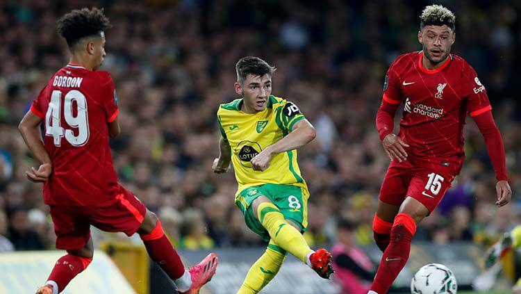 Kaide Gordon (kiri) di partai Norwich City vs Liverpool Copyright: © REUTERS