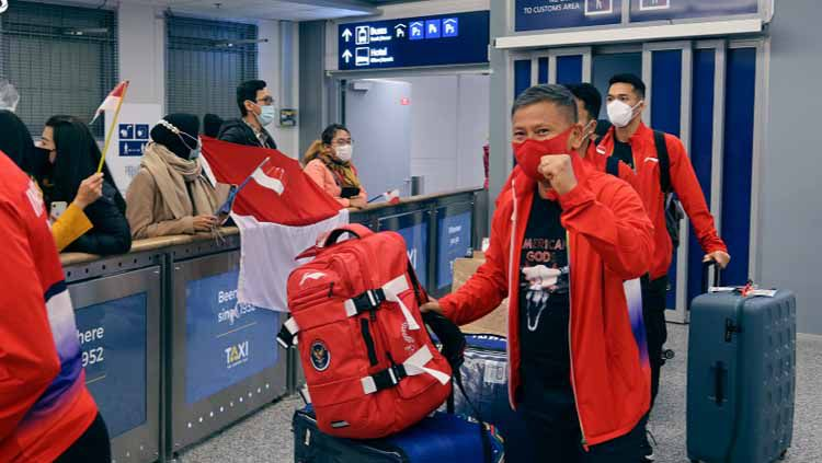 Setelah menempuh perjalanan panjang,kontingen Indonesia di Piala Sudirman tiba di Finlandia dan langsung disambut hangat oleh Kedutaan Besar RI Finlandia. Copyright: © BADMINTON INDONESIA