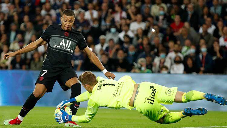 Aksi Kylian Mbappe di laga PSG vs Montpellier dalam lanjutan Ligue 1 Prancis. Copyright: © REUTERS