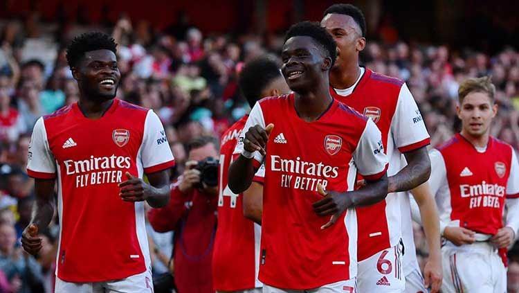 Indosport - Tiga rekor fantastis yang ditorehkan Arsenal usai menumbangkan Tottenham dalam partai big match derby London Utara di Liga Inggris 2021/22.