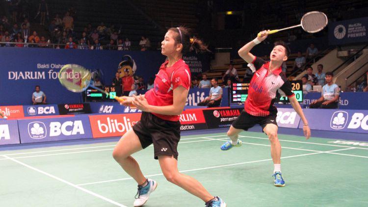 Raket pemain China dibanting karena kesal dengan ketengilan Kevin Copyright: © id-vid.com