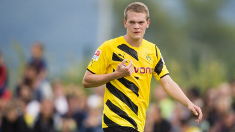 Inter Milan, Chelsea dan Arsenal saling sikut demi mendatangkan bek Timnas Jerman, Matthias Ginter. Copyright: © GETTY IMAGES