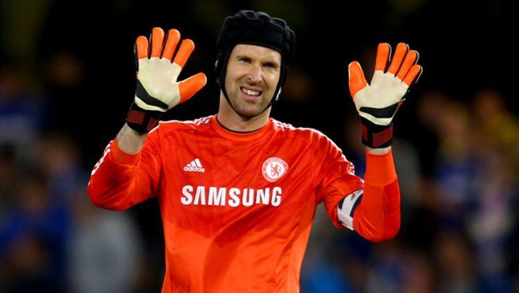 Petr Cech membeberkan bahwa dirinya berada di ruang tes doping setelah tak nampak berselebrasi di kamar ganti usai Chelsea menjuarai Liga Champions Copyright: © GETTY IMAGES