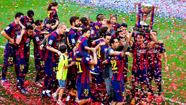 Perayaan juara Barcelona. Copyright: © GETTY IMAGES