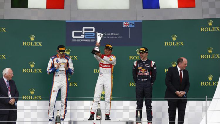 Rio Haryanto sukses naik podium teratas sprint race GP2 Series Inggris 2015. Copyright: © gp2series.com