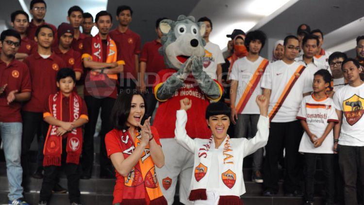 Julie Estelle dan Julia Perez Copyright: © Indosport/ Ratno Prasetyo
