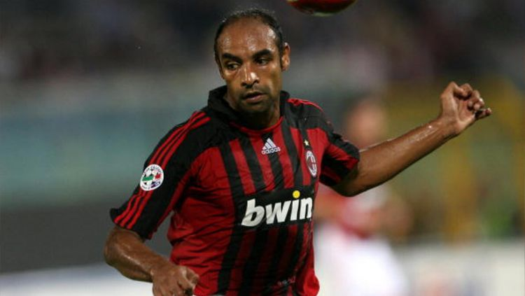 Emerson saat membela AC Milan.  Copyright: © GETTY IMAGES