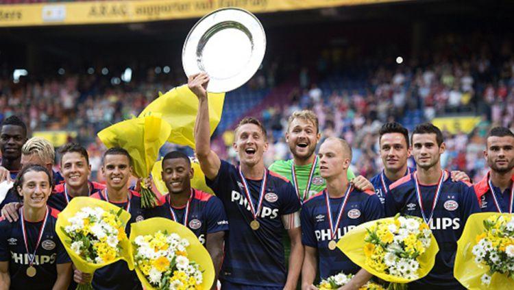 Pemain FC Groningen melakukan selebrasi. Copyright: © Zimbio