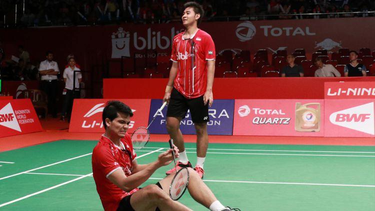 Pasangan Ricky Karandasuwardi/Angga Pratama gagal melangkah ke babak utama Indonesia Masters 2020 setelah kalah dari pasangan Kim Gi-jung/Lee yong-dae. Copyright: © badmintonindonesia.org